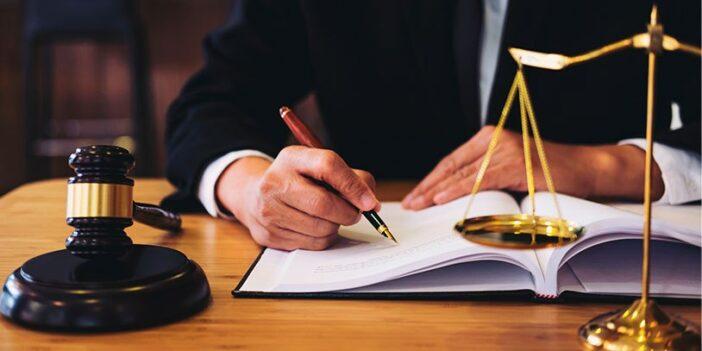 donde trabaja un abogado